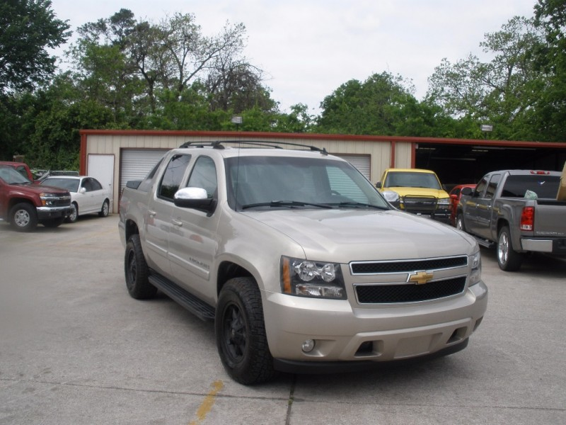 Chevrolet Avalanche 2007 price $14,000