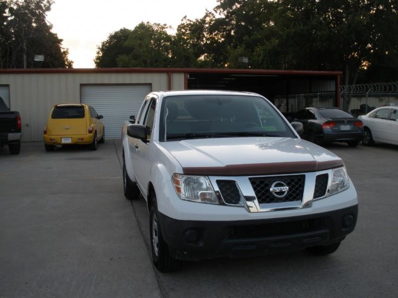 Nissan Frontier 2011 price $9,999