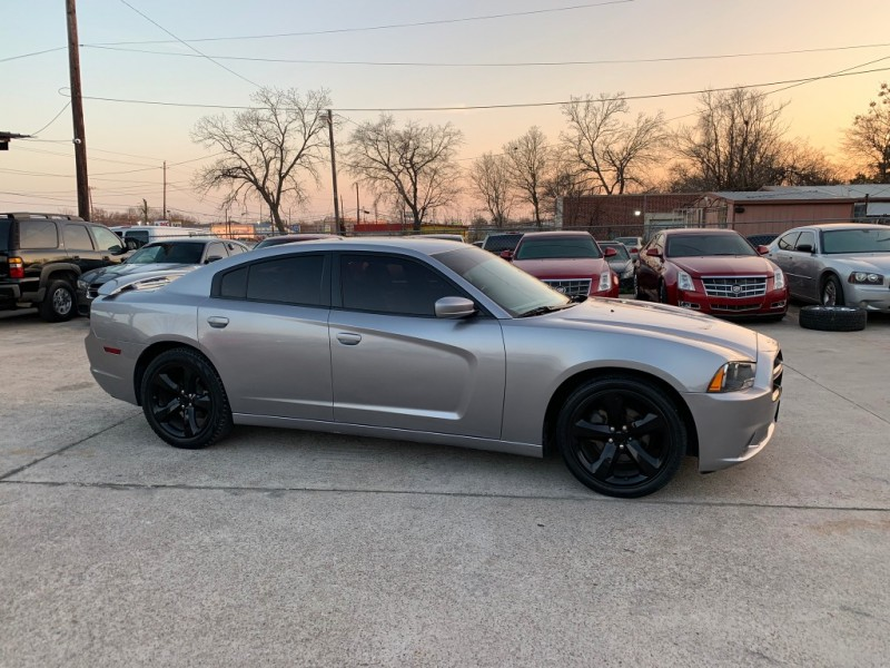 Dodge Charger 2013 price $14,500