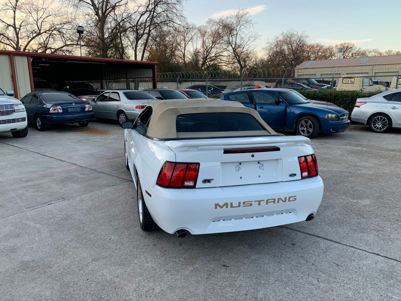 Ford Mustang 2004 price $8,500