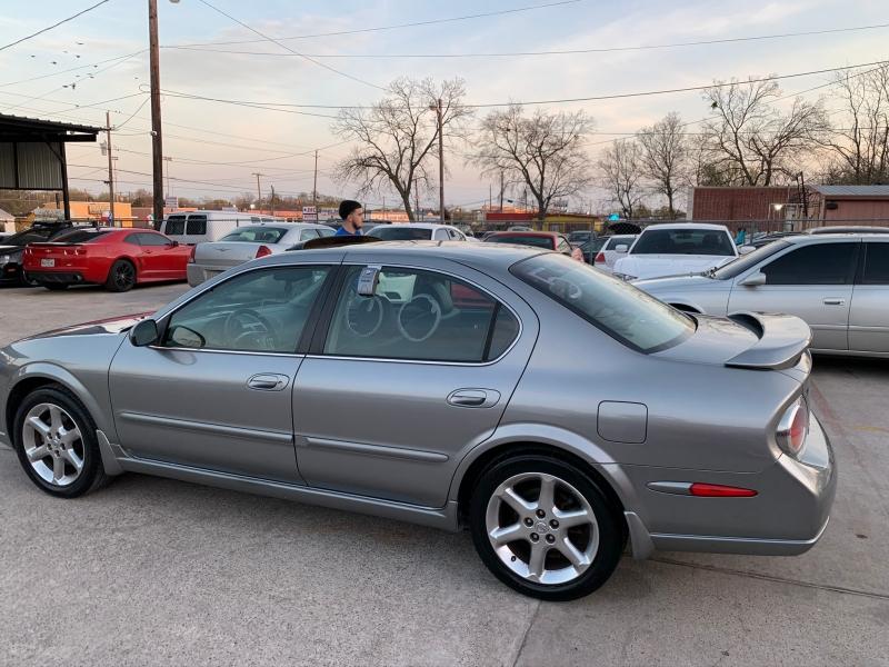 Nissan Maxima 2003 price $5,500