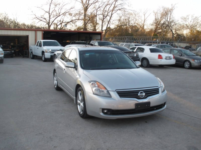 Nissan Altima 2008 price $6,000