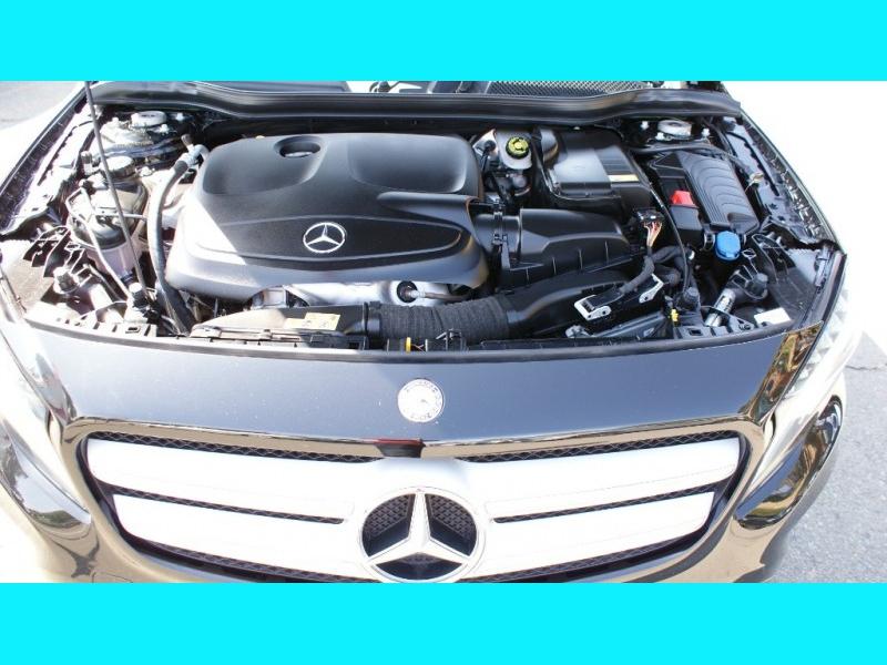 Mercedes-Benz G-Class 2016 price $19,995