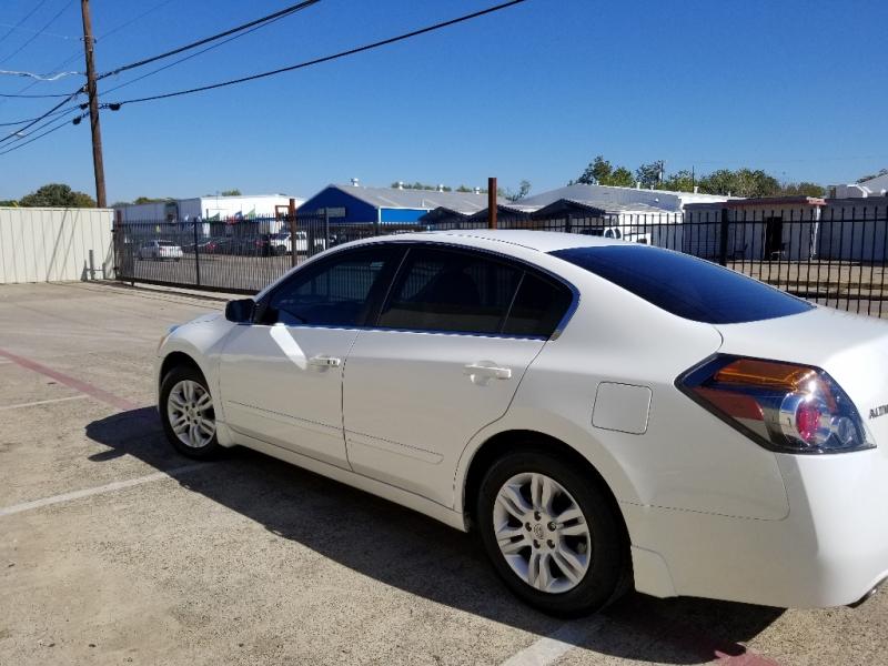 Nissan Altima 2011 price $5,499
