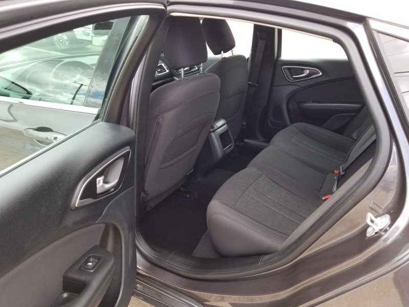 Chrysler 200 2015 price $6,500