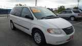 Chrysler Town & Country SWB 2006