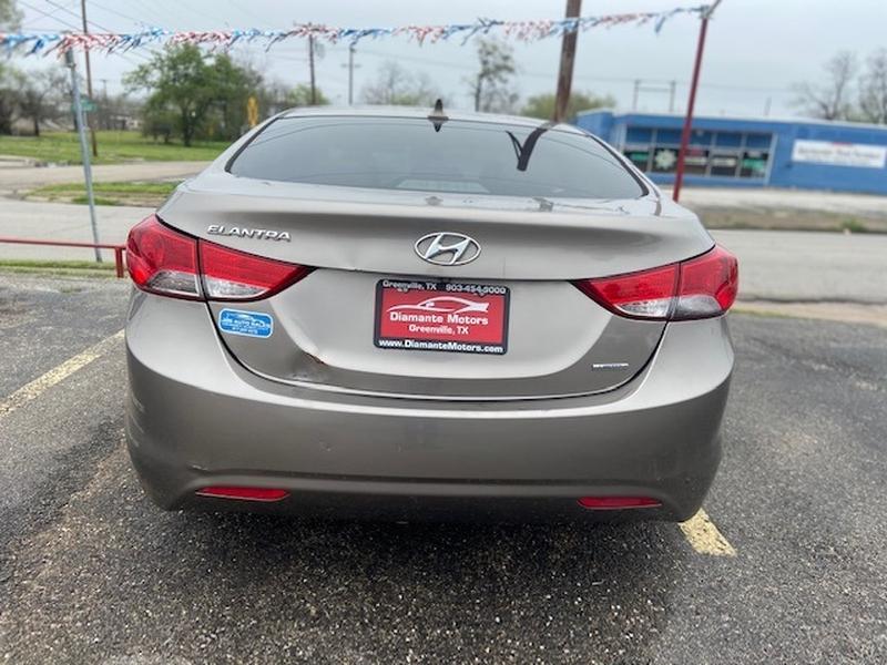 Hyundai Elantra 2011 price $995 Down