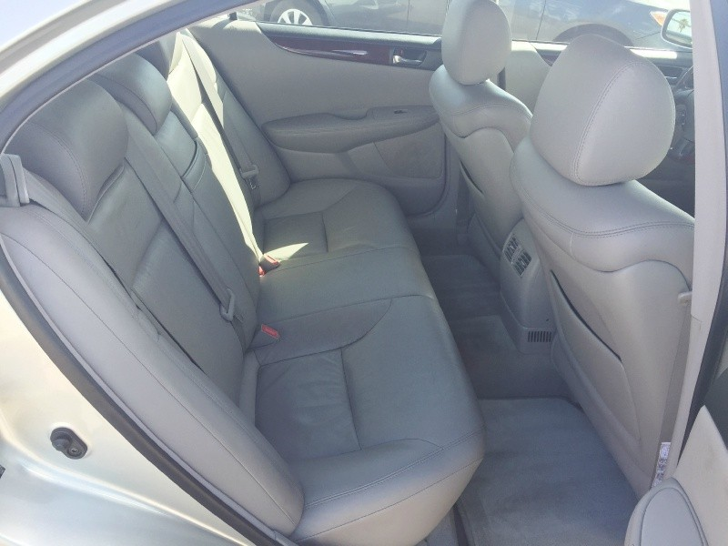 Lexus ES 330 2004 price $5,495