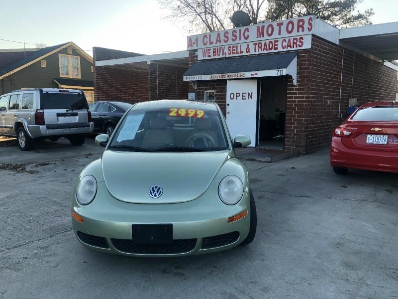 Volkswagen New Beetle Coupe 2007 price $2,500