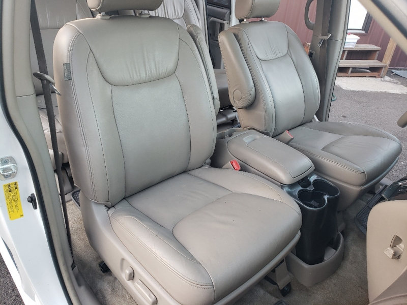 Toyota Sienna 2008 price $8,995
