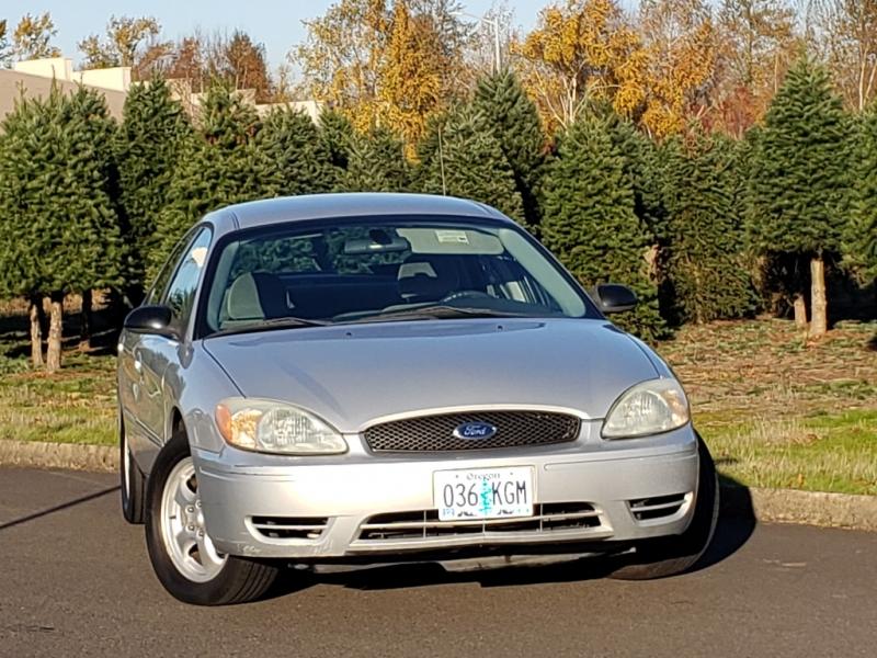 Ford Taurus 2004 price $2,995