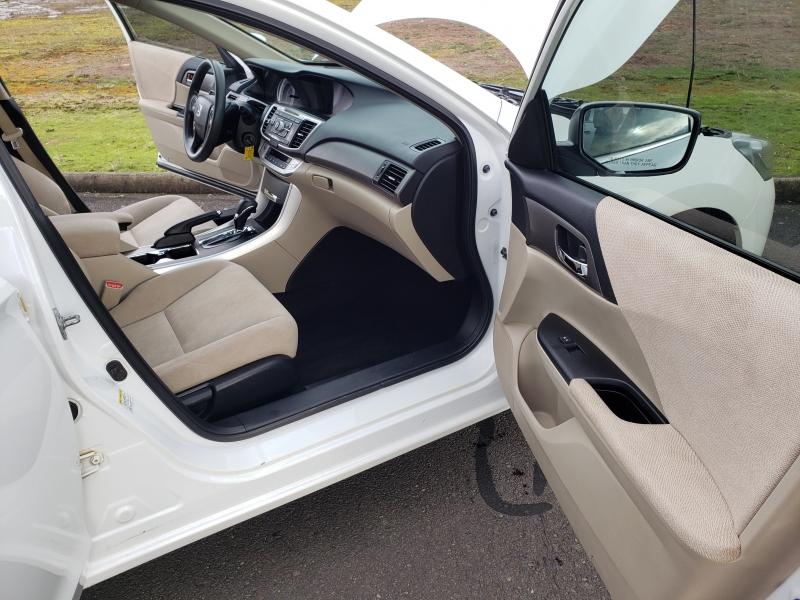 Honda Accord Sedan 2013 price $10,995