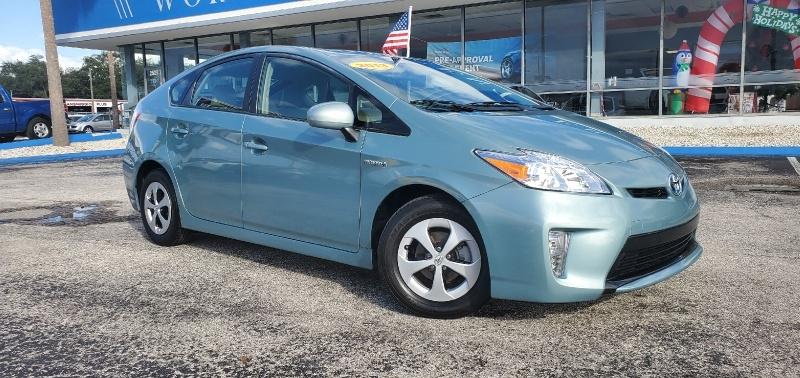 Toyota Prius 2013 price $9,495