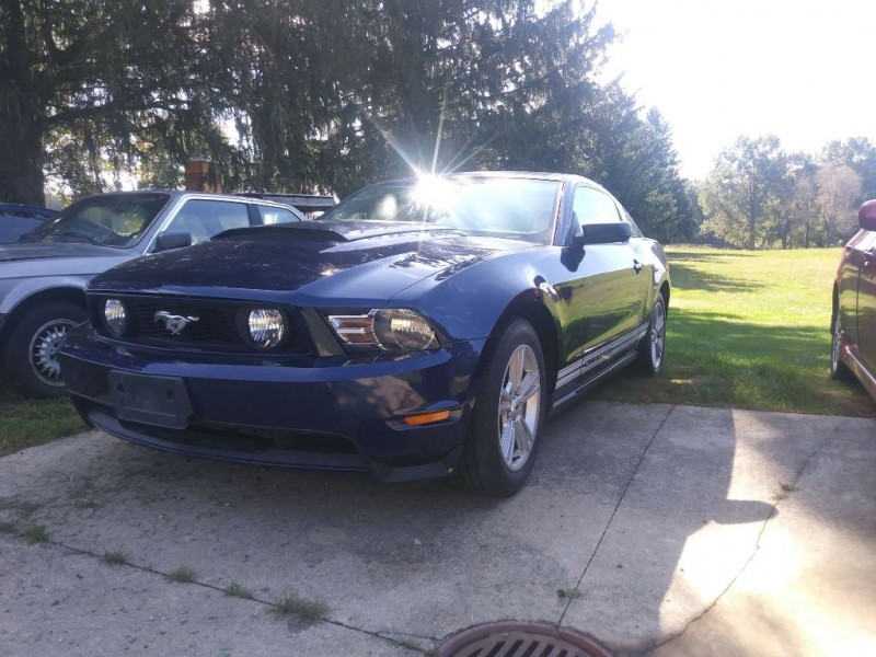 FORD MUSTANG 2010 price $9,998 Cash