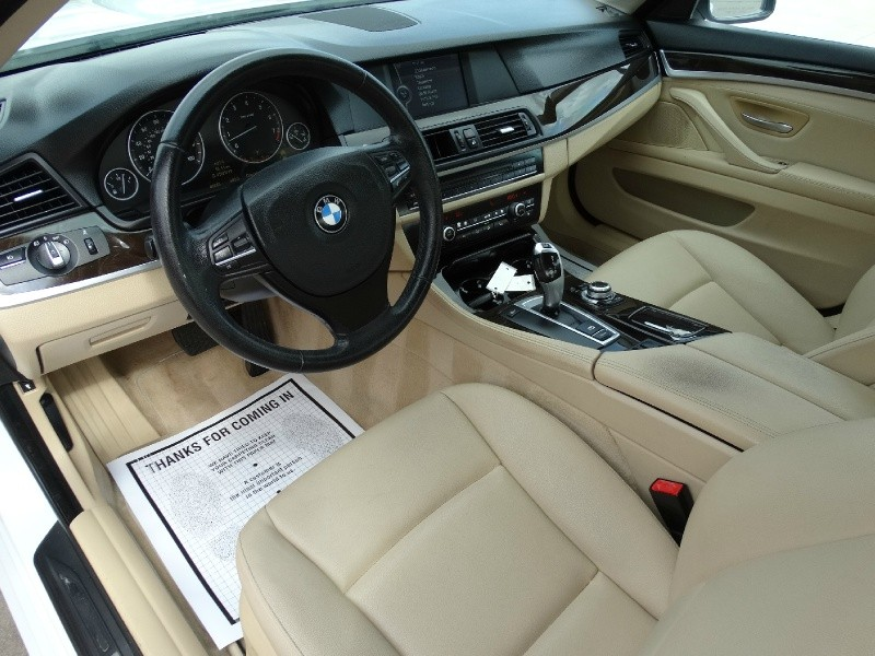 BMW 5-Series 2011 price $12,995