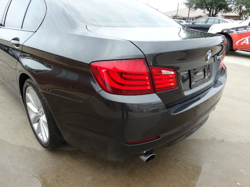 BMW 5-Series 2011 price $15,995