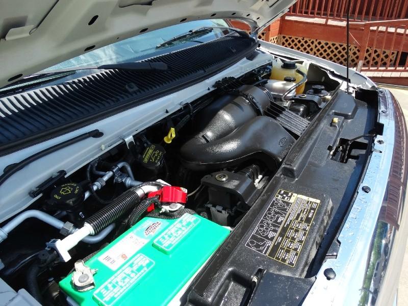 Ford Econoline Wagon 2013 price $15,995