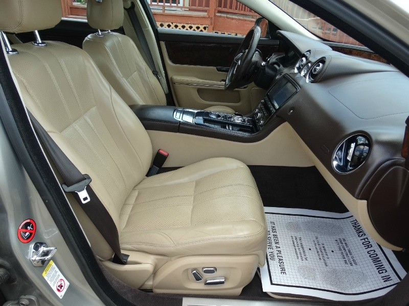 Jaguar XJ 2011 price $15,995