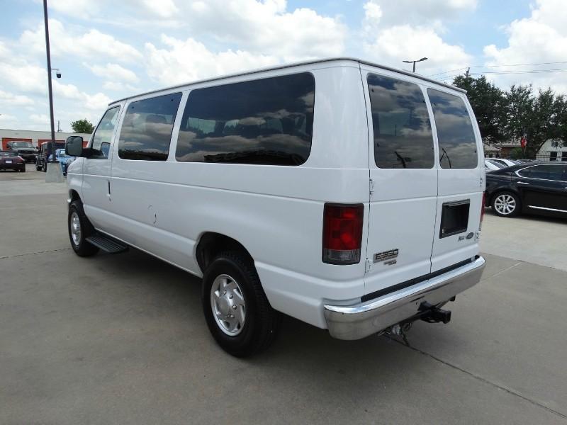 Ford Econoline Wagon 2012 price $12,995
