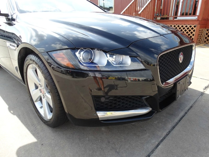 Jaguar XF 2018 price $25,995