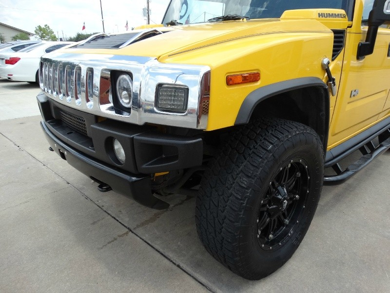 Hummer H2 2006 price $20,995