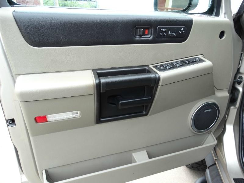 Hummer H2 2005 price $11,995