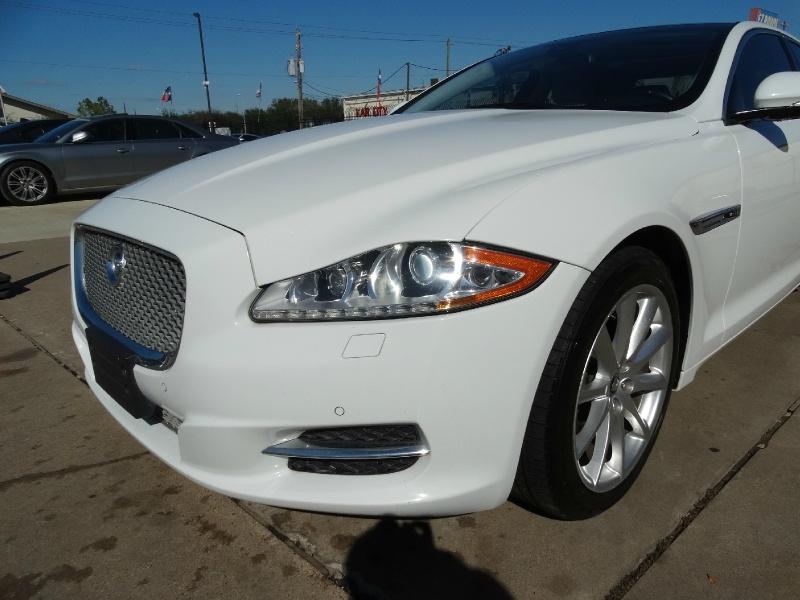 Jaguar XJ 2013 price $16,995