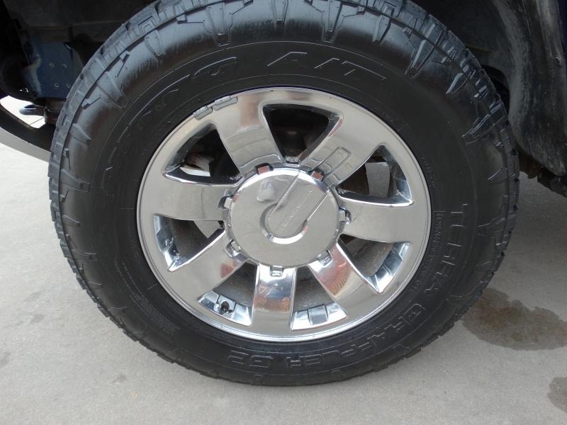 Hummer H2 2008 price $22,995