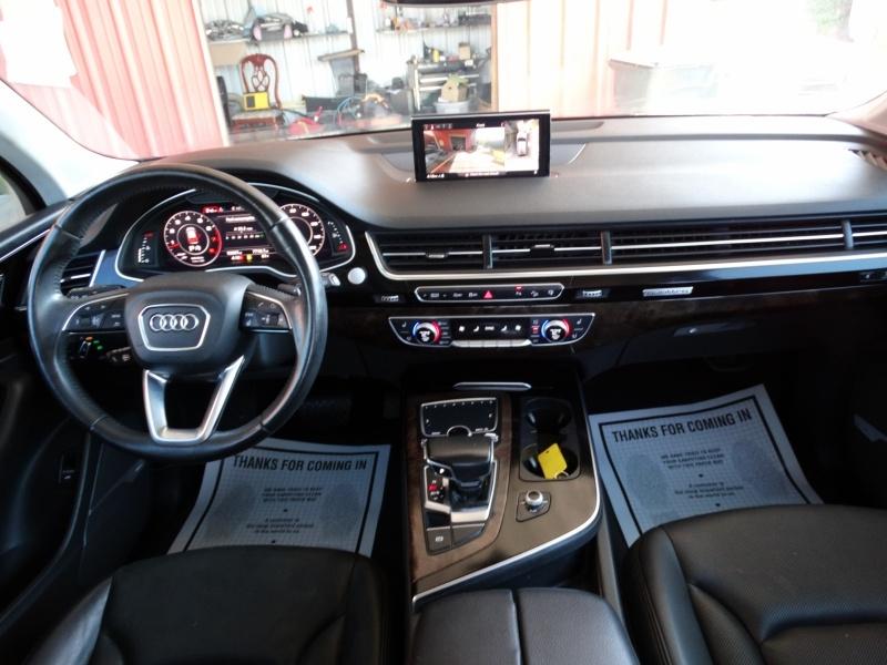 Audi Q7 2017 price $24,995