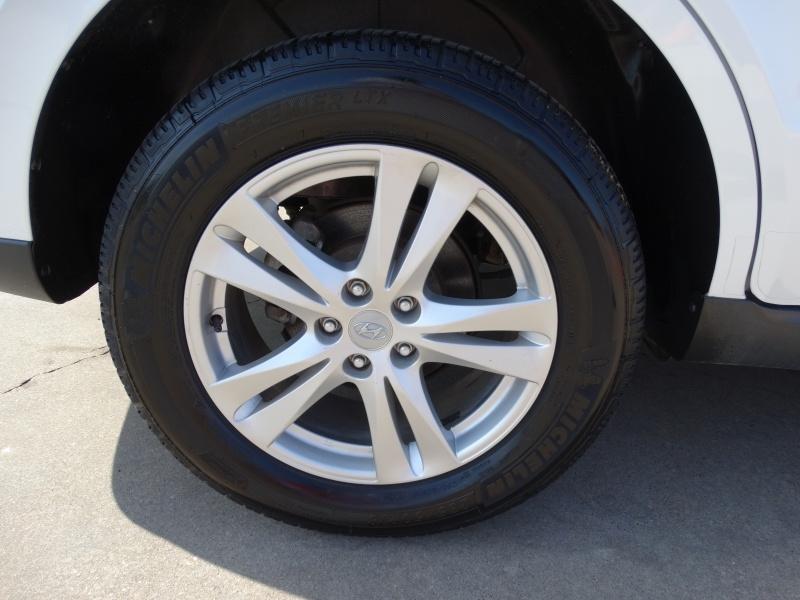 Hyundai Santa Fe 2010 price $6,995