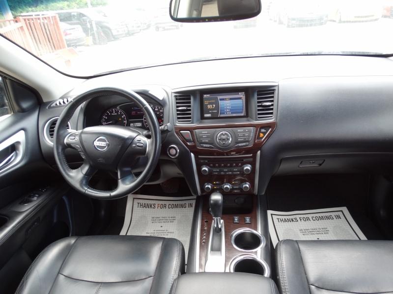 Nissan Pathfinder 2014 price $10,995