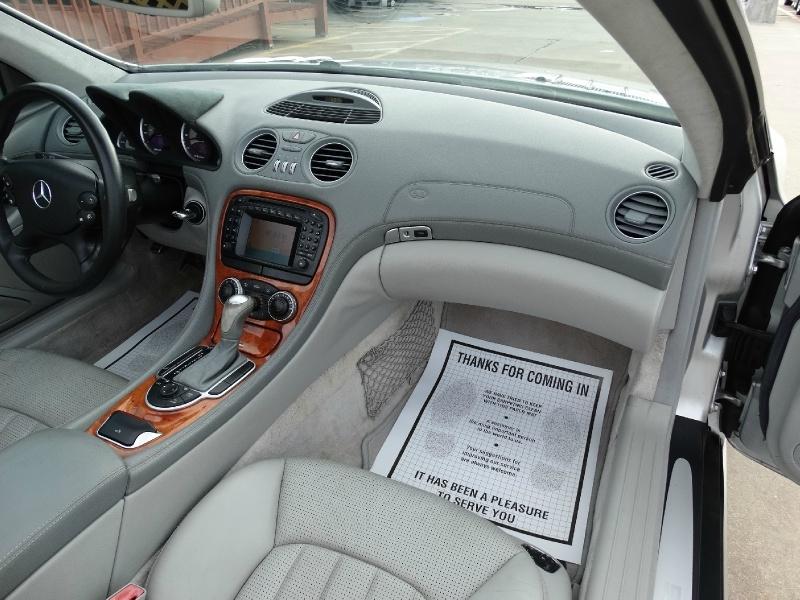 Mercedes-Benz SL-Class 2004 price $12,995