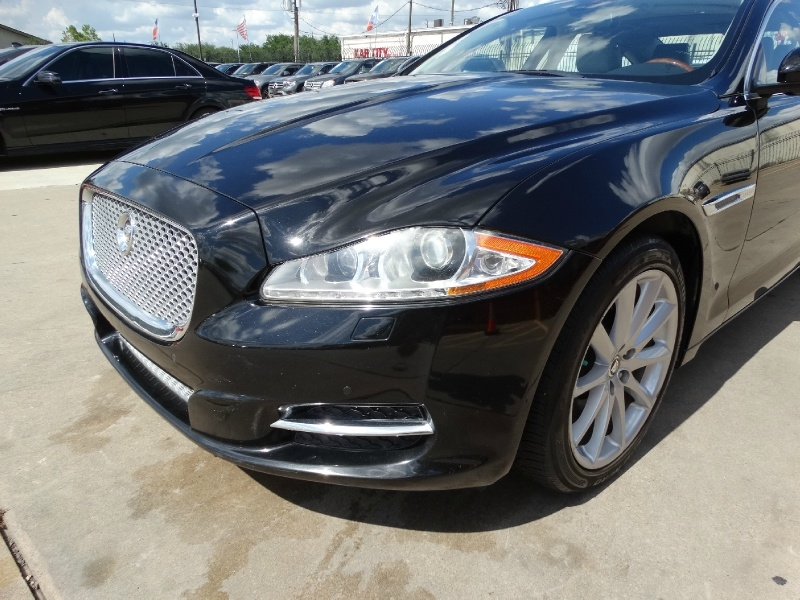 Jaguar XJ 2012 price $15,995