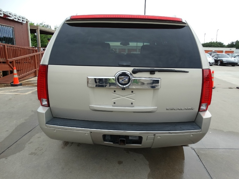 Cadillac Escalade 2008 price $12,995