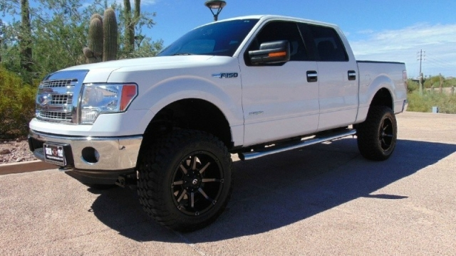 2014 Ford F150 4WD Super Crew XLT Lifted
