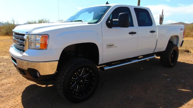 2012 GMC Sierra 2500HD 4WD SLE Crew Cab Texas Edition Lift