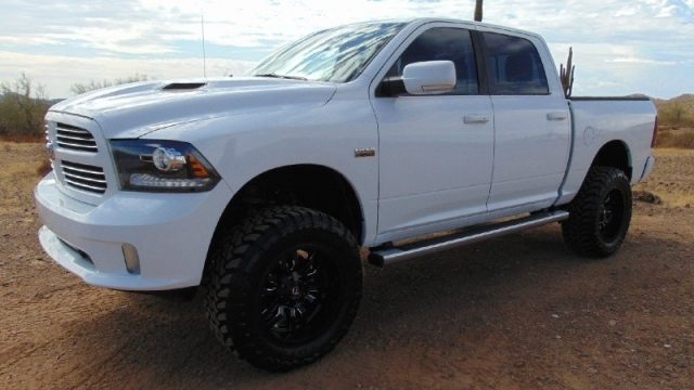 2013 Dodge Ram 1500 4WD Crew Cab Sport Lifted