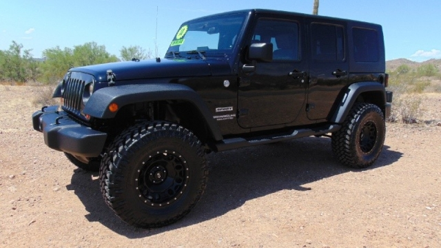 2010 Jeep Wrangler Unlimited 4dr 4WD Sport Lifted