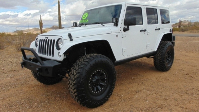 2015 Jeep Wrangler Unlimited 4WD 4dr Altitude Lifted