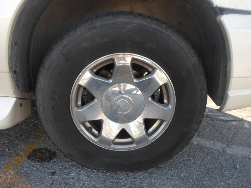 Cadillac Escalade ESV 2005 price $4,995 Cash