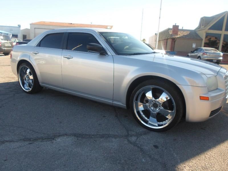 Chrysler 300 2007 price $5,495 Cash