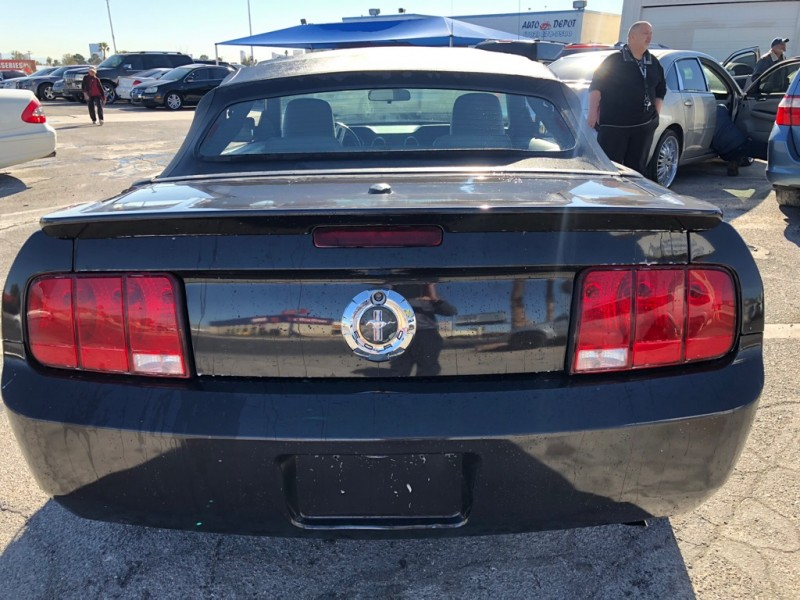 Ford Mustang 2008 price $4,995 Cash