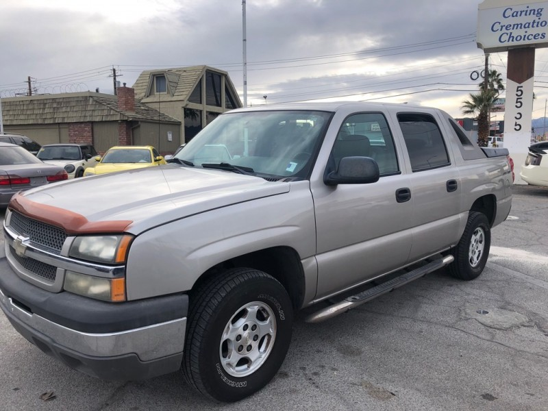 Chevrolet Avalanche 2004 price $6,995 Cash