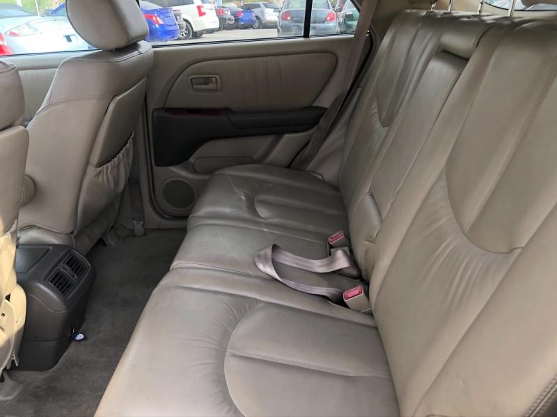 Lexus RX 300 2000 price $4,295 Cash