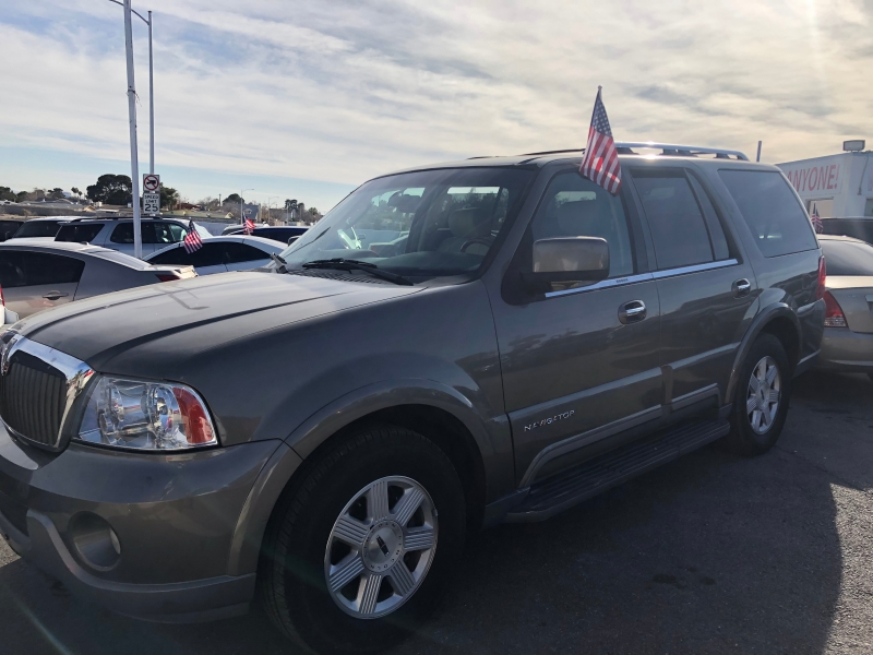 Lincoln Navigator 2003 price $4,295 Cash
