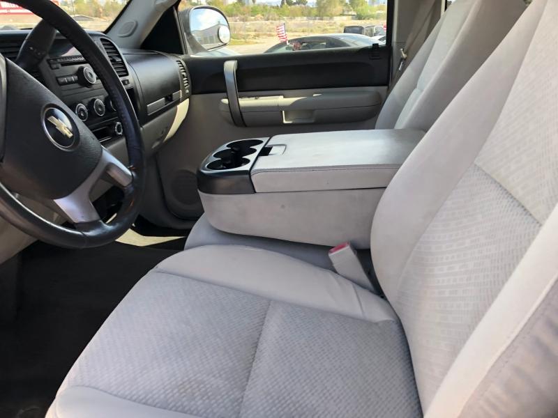 Chevrolet Silverado 2500HD 2007 price $8,995 Cash