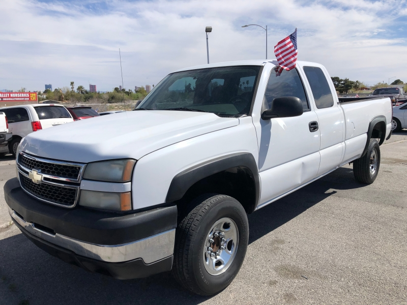 Chevrolet Silverado 2500HD 2006 price $8,495 Cash