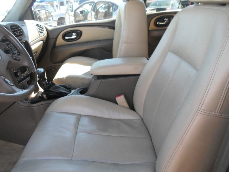 Buick Rainier 2006 price $5,995 Cash