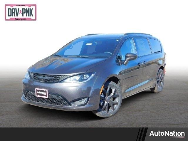 Chrysler Pacifica 2019 price $34,628