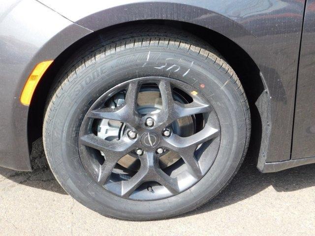 Chrysler Pacifica 2019 price $35,631
